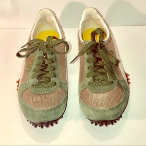 Women's Puma 5000m Green Sneakers Size 5